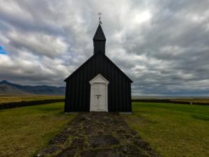 Budir chiesa nera islanda viaggio