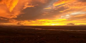 Islanda tramonto viaggio sola